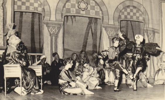 Dancing in an Operatta