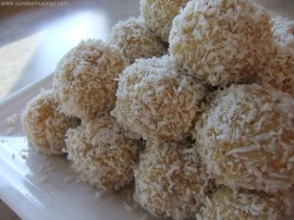 Lemon Cashew Balls - Sunday Musings